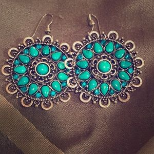 Turquoise-look earrings, great condition!